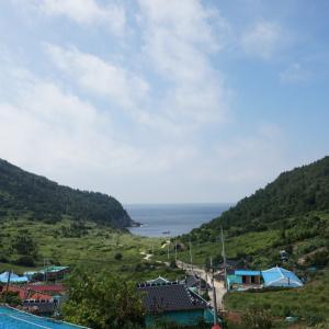 하얀등대와 작은 섬마을